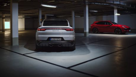 SUV duo with sporty set-up: the new Cayenne GTS models