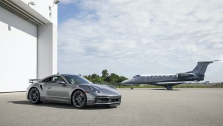 Porsche and Embraer present the ultimate pair: a sports car and a jet