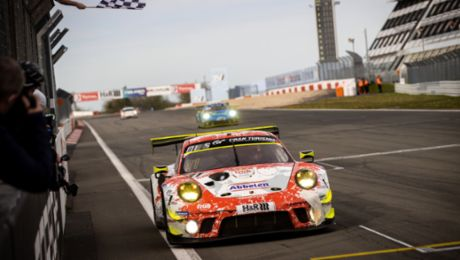 One-two victory for Porsche customer team Frikadelli Racing