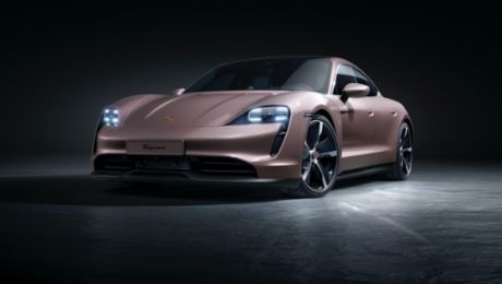Porsche extends the Taycan model range with a fourth variant