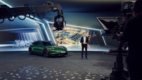 High-performance batteries with silicon anodes and Porsche fast-charging stations