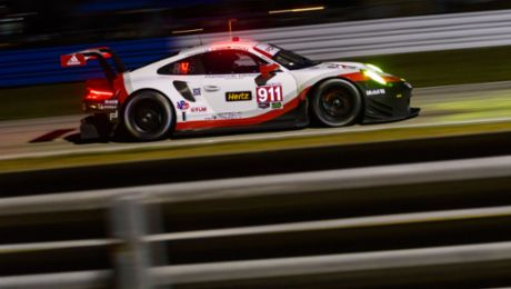 IMSA: 911 RSR on the second grid row