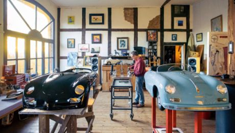 Miniature Marvels – Porsche cars at a scale of 1 to 2.3