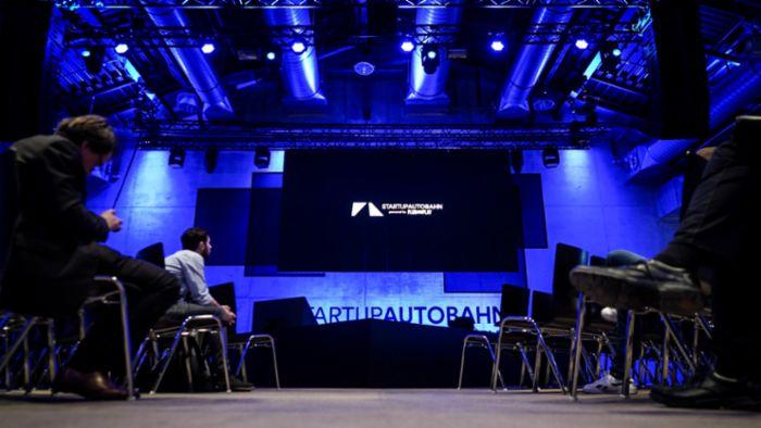 photo of Porsche presents three pilot digitalisation projects image