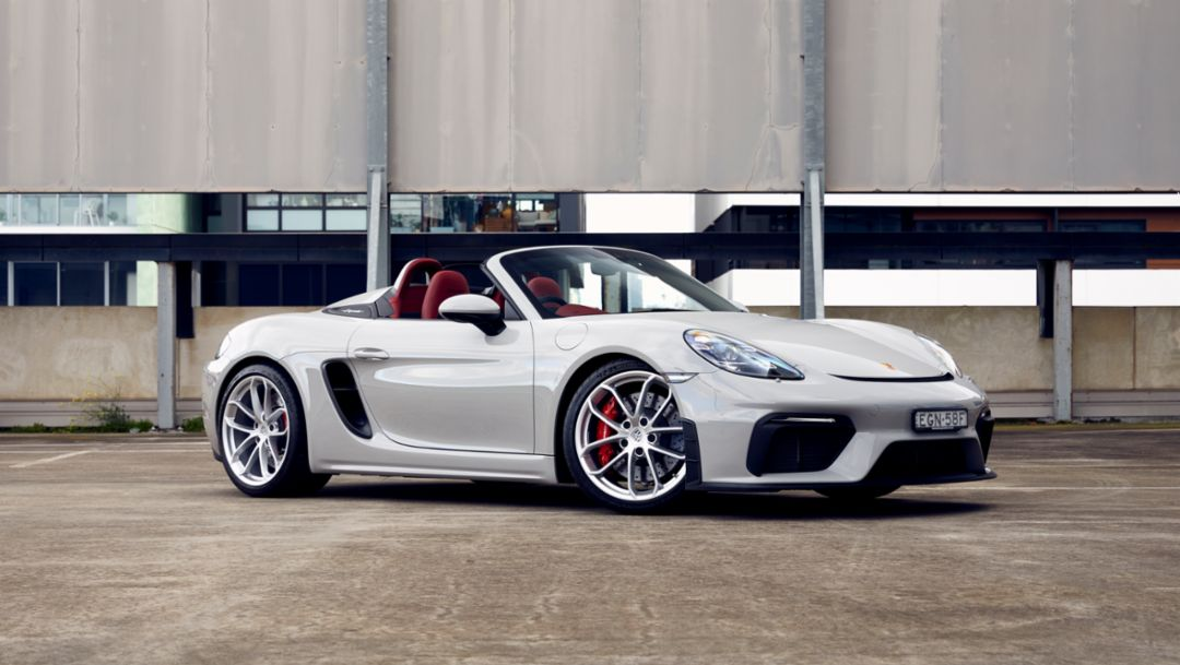 Product Highlights: Hungry for every curve – The 718 Spyder