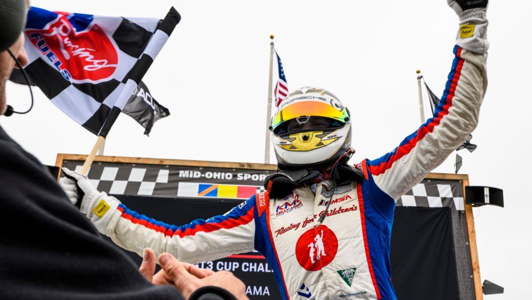 De Angelis First to Win Both North American Porsche Cup Challenges in Same Year.