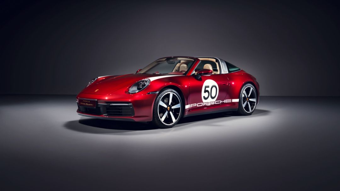 Paying tribute to tradition: the 911 Targa 4S Heritage Design Edition