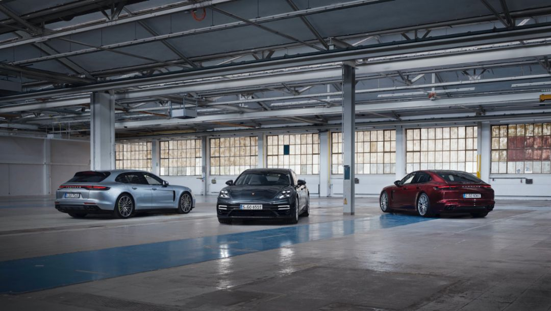 Porsche introduces further 2021 Panamera models with up to 689 hp