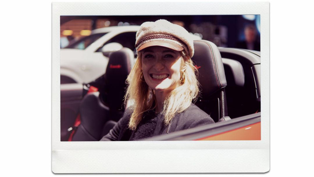 Hannah Elliott, journalist, 911 Speedster, world premiere, New York International Auto Show, 2019, Porsche AG