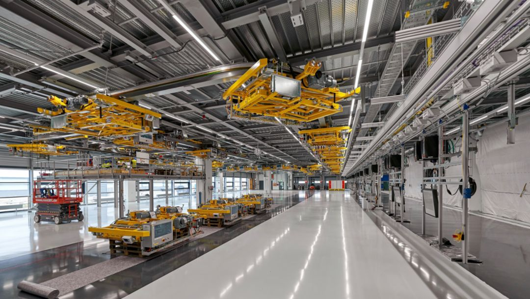 Porsche Leipzig gets ready for electromobility