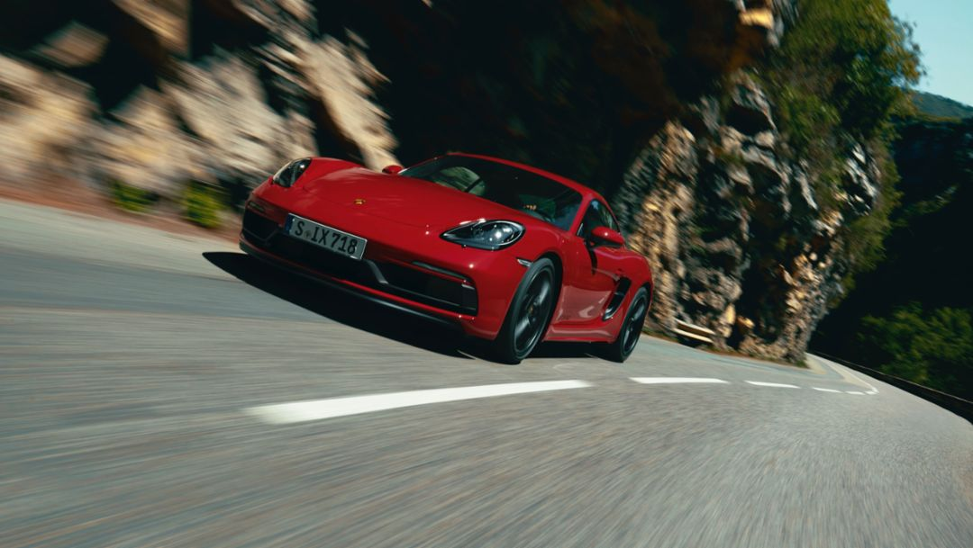 The new 718 GTS models: driving pleasure for all the senses