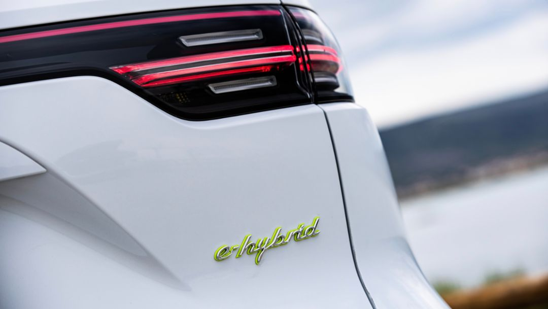 A greater electric range for the Cayenne E-Hybrid models - Image 2