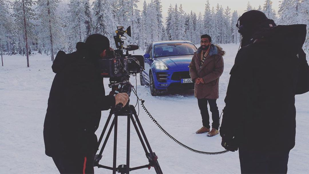 Journalist, Macan Turbo, Performance Package, winter driving event, Finland, 2016, Porsche AG