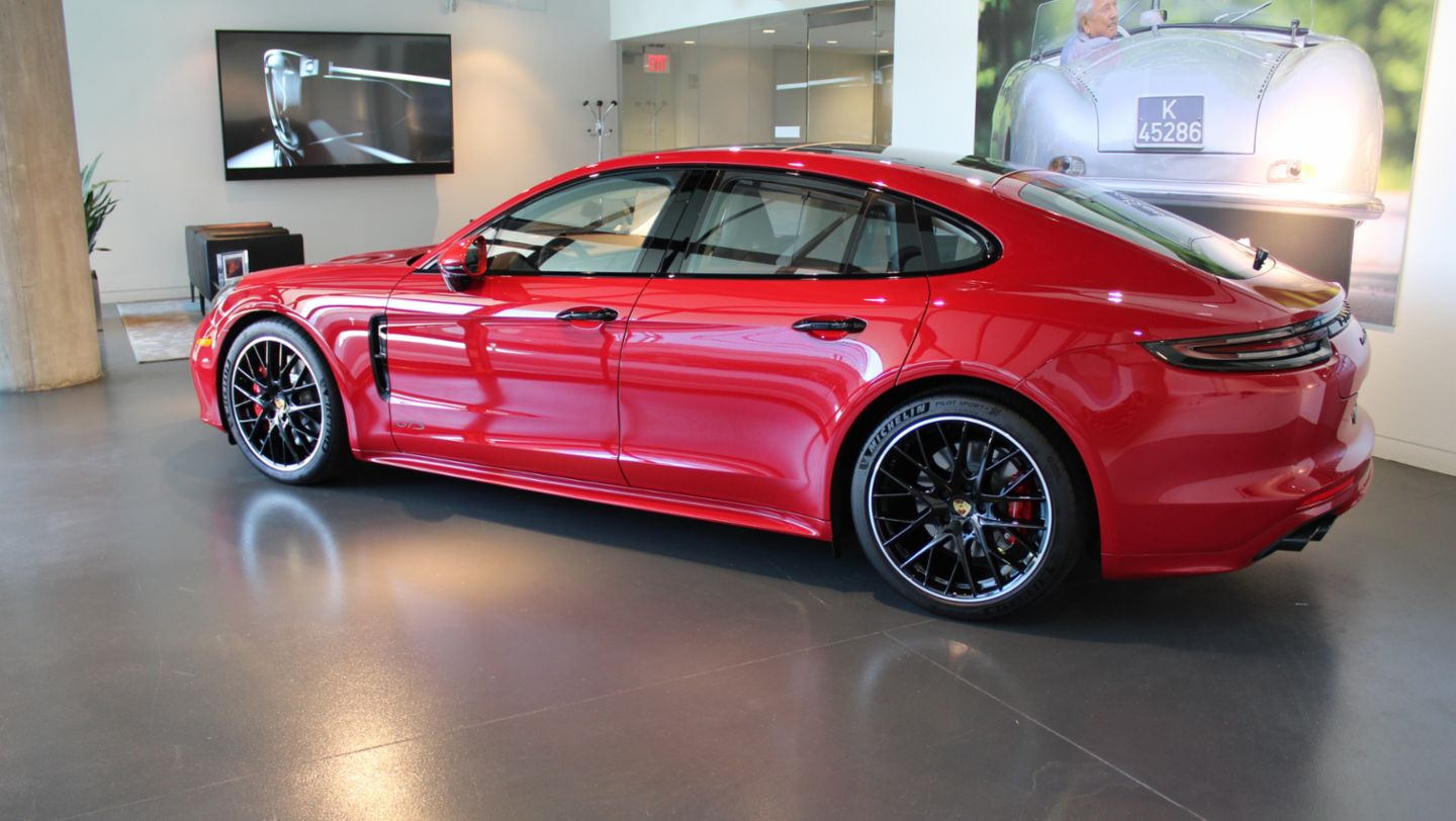 New Vehicle Delivery no. 1000, Panamera GTS, Porsche Experience Center Atlanta, 2020, PCNA