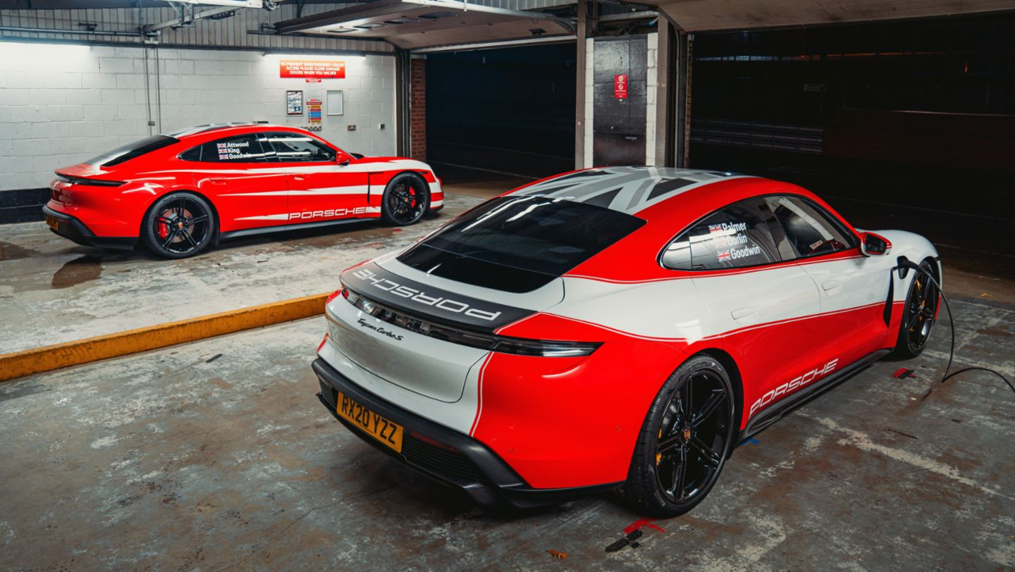 Taycan 4S, Taycan Turbo S, Brands Hatch, 2021, Porsche AG