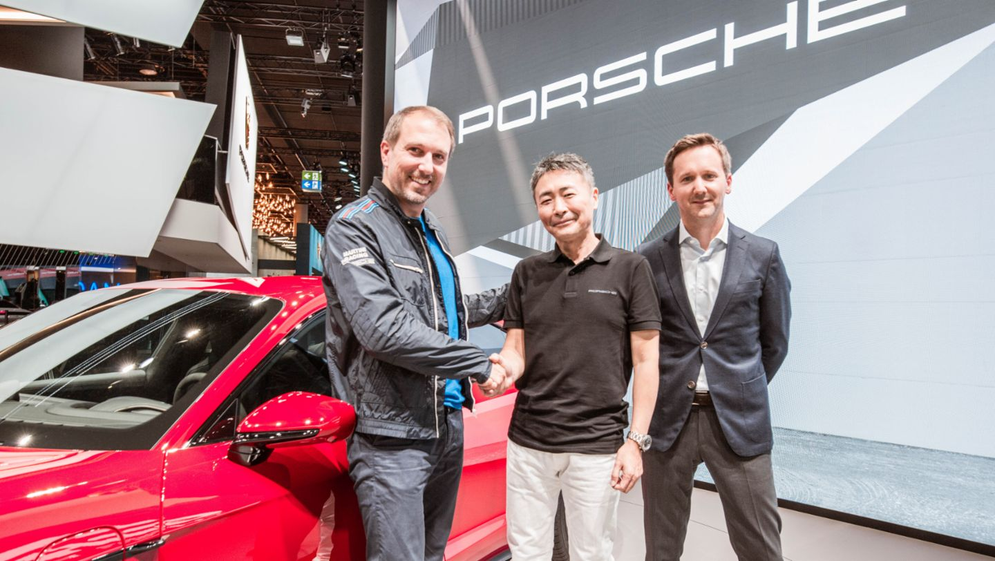 Sebastian Hornung, Manager Branded Entertainment Porsche AG, Kazunori Yamauchi, Series Producer Gran Turismo and President of Polyphony Digital Inc., Peter Varga, Director Exterior Design Style Porsche, l-r, IAA, 2019, Porsche AG
