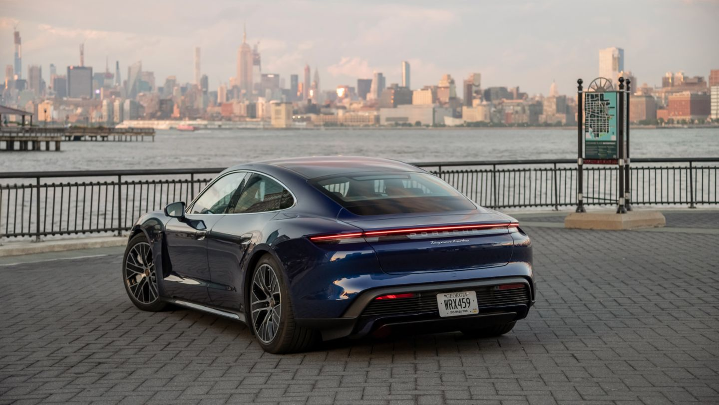Taycan Turbo, New York, 2019, Porsche AG