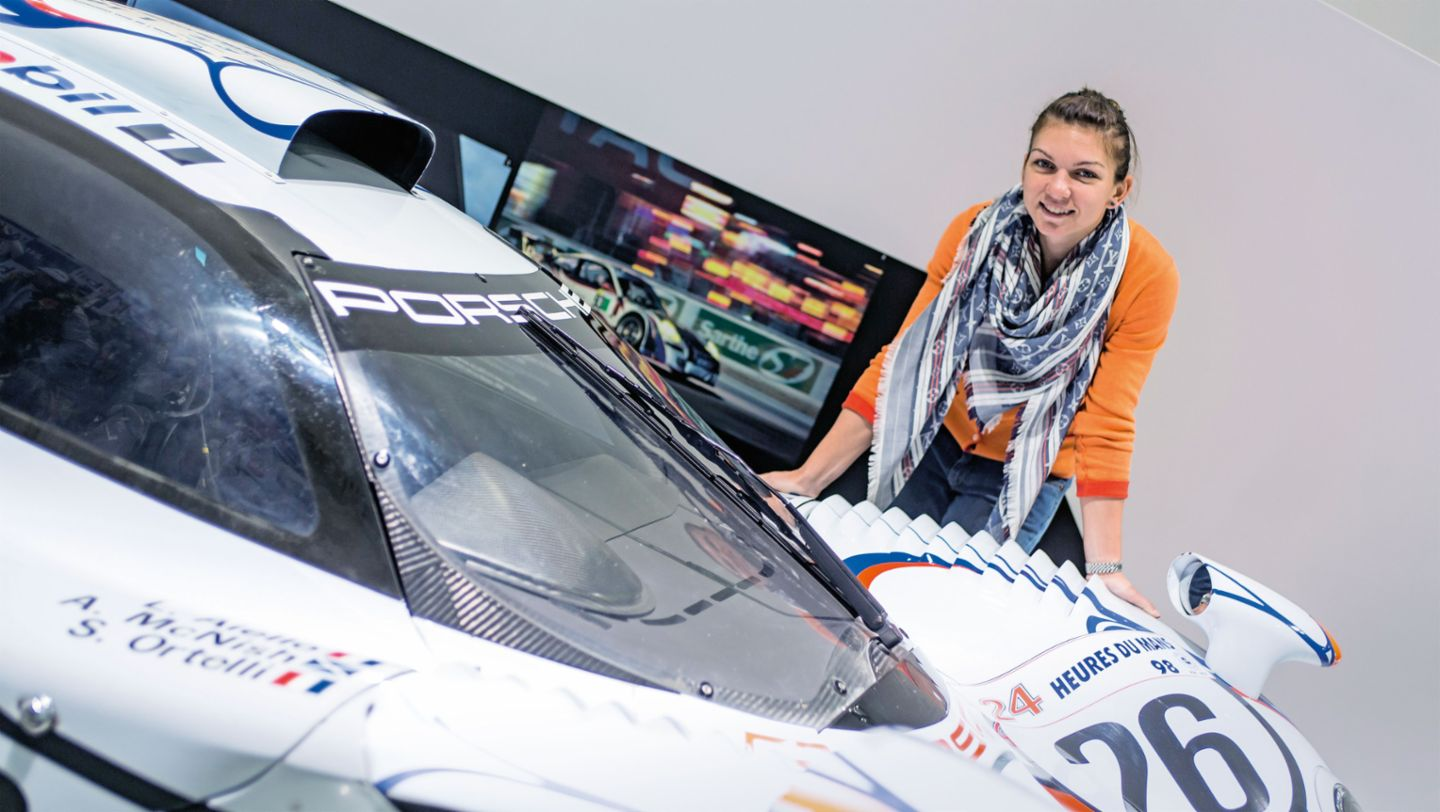 On the trail of the Le Mans winners from Porsche. Simona Halep learns a lot about the classics of the 24 Hours (2014)