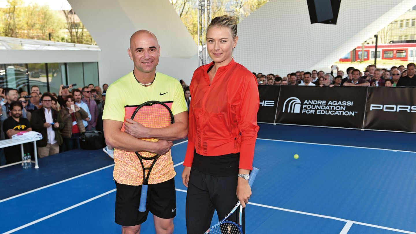 Always in good shape: Maria Sharapova as tennis partner of Andre Agassi (2015)