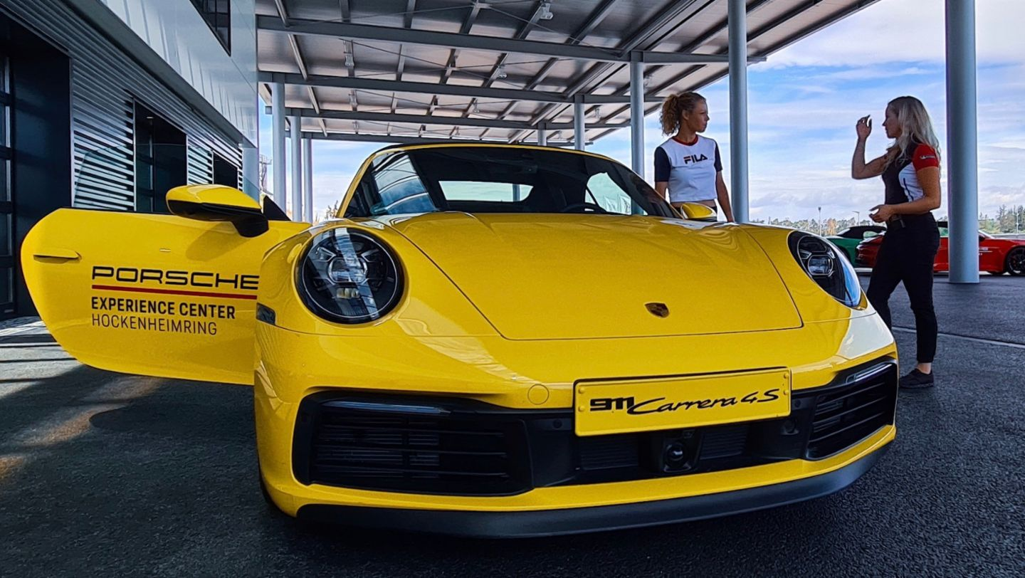 Laura Siegemund: Spectacular driving experience in the Taycan Turbo S - Image 4