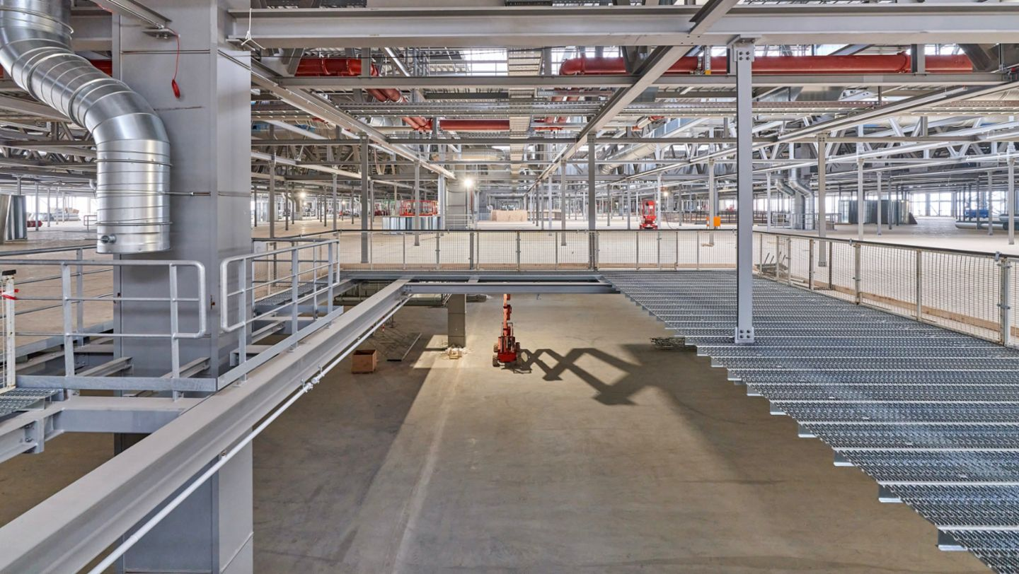 Porsche Leipzig gets ready for electromobility - Image 3