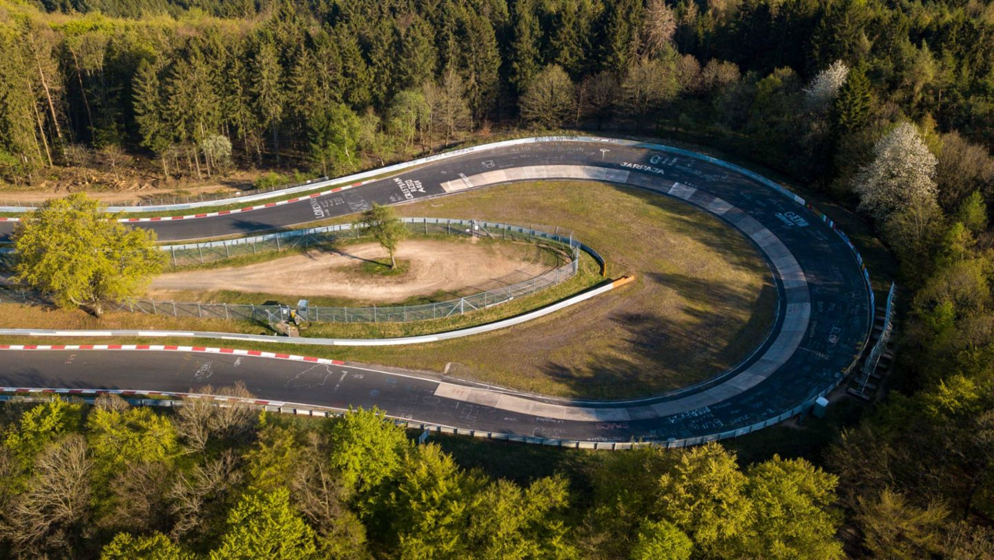 Aerial photograph of the Caracciola-Karussell, Nürburgring-Nordschleife, 2020, Porsche AG
