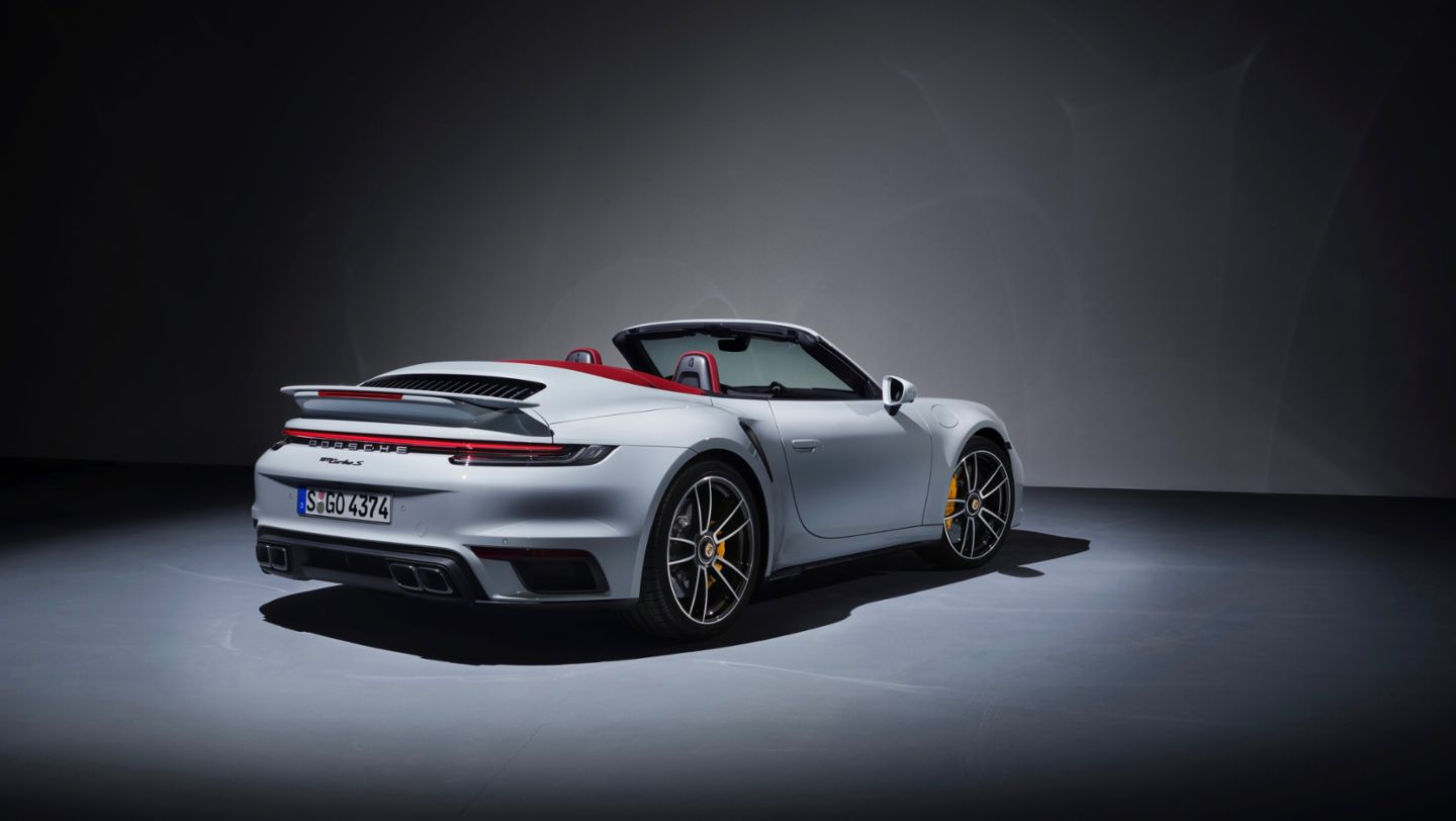 The Carsafe Top Of The Range The Porsche 911 Turbo S The Carsafe