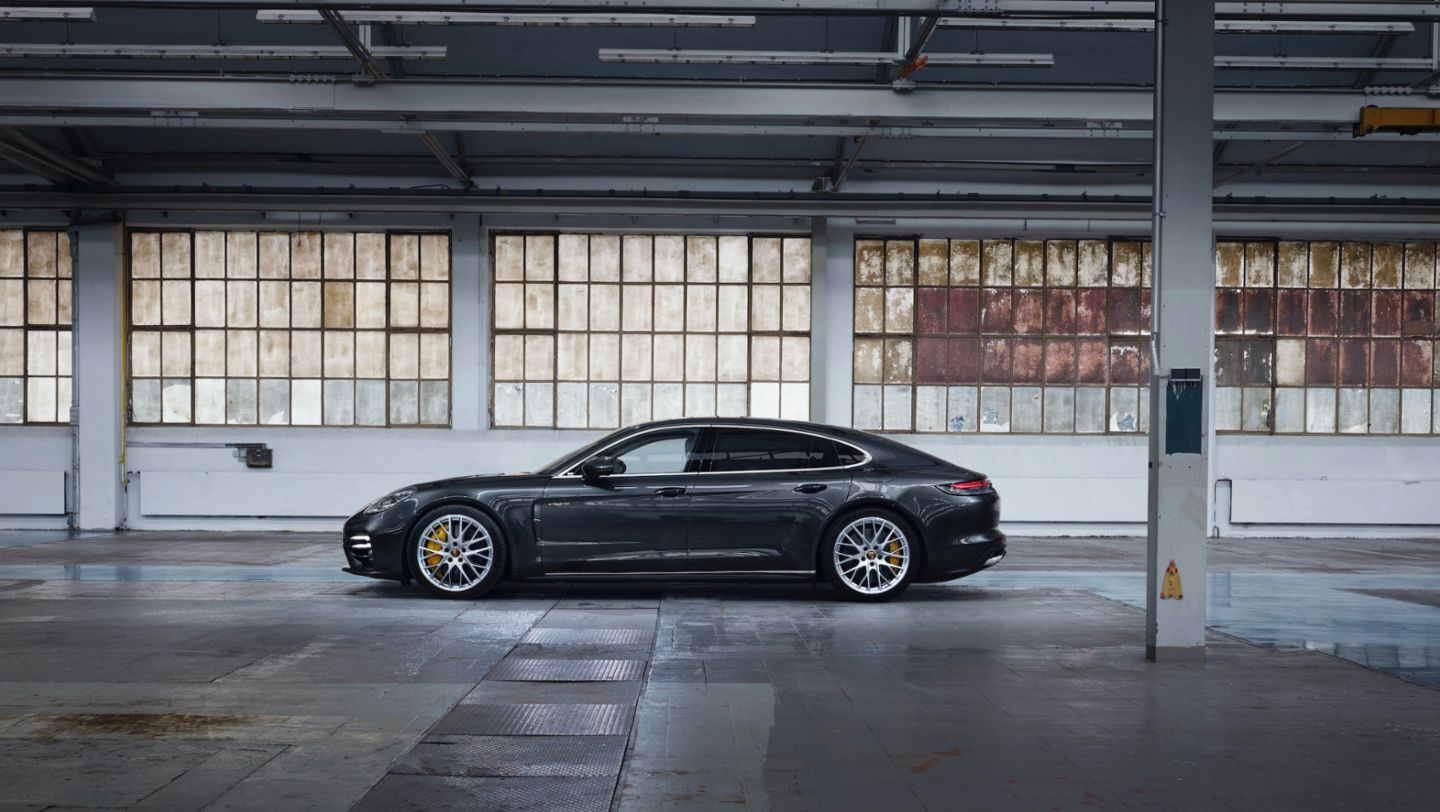 Panamera Turbo S E-Hybrid Executive, 2020, Porsche AG