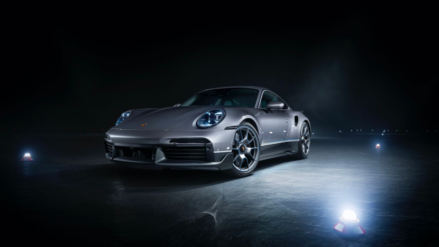 "911 Turbo S in limited edition ""Duet"", 2020, Porsche AG"