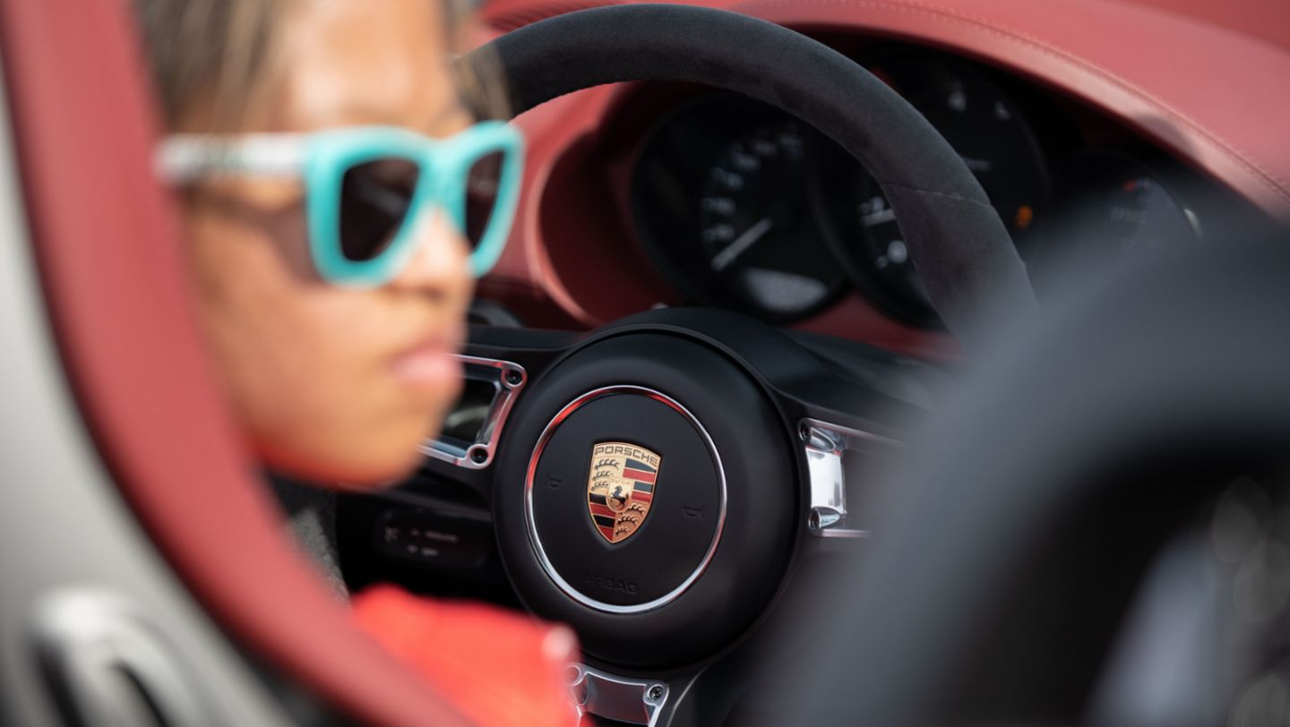 Chloe Chambers, 718 Spyder, New Guinness World Records™, 2020, Porsche AG