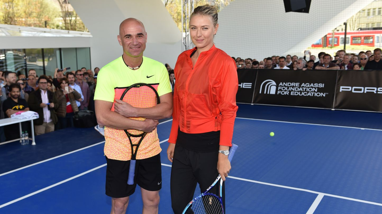 Showmatch with Andre Agassi and Maria Sharapova in front of the Porsche Museum, 2015, Porsche AG