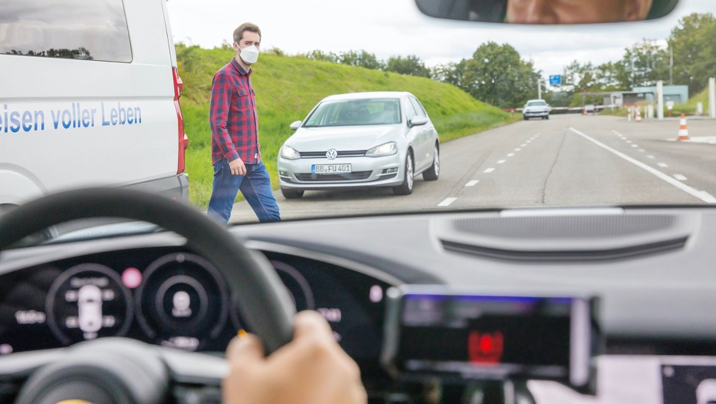 Real-time mobile communications for the vehicle projects of the future - Image 4