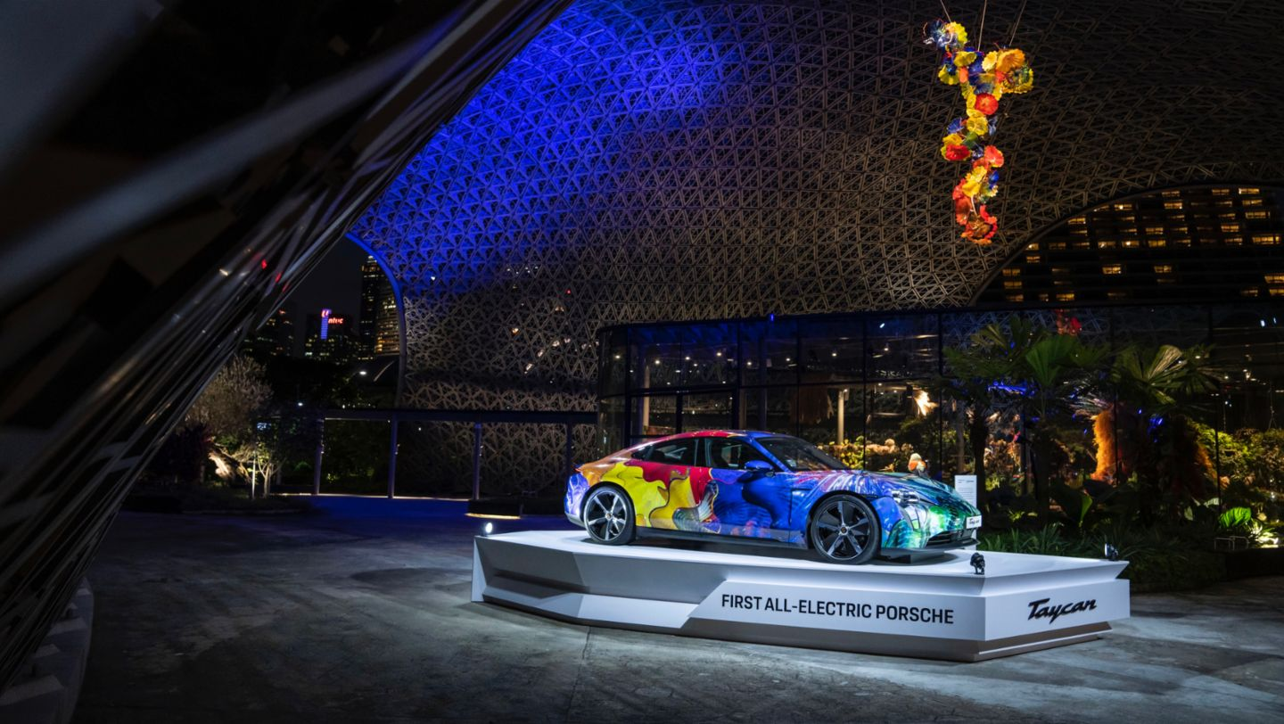 Floral Porsche Taycan in the Gardens by the Bay - Image 5