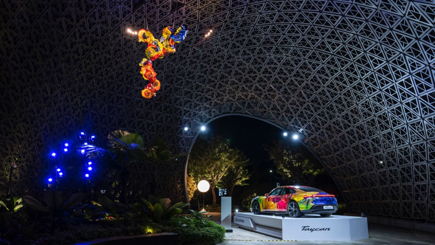 Floral Porsche Taycan in the Gardens by the Bay - Image 4