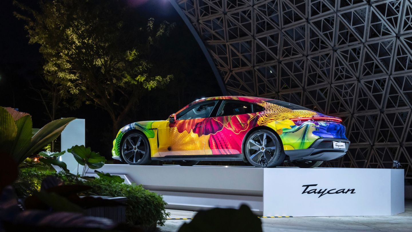 Floral Porsche Taycan in the Gardens by the Bay - Image 6