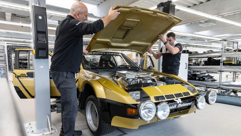 Oliver Bytow, Jefe de Taller de Porsche Motorsports Histórico (d), 924 Carrera GTS Rally, 2021, Porsche AG