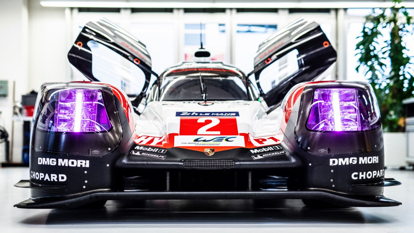 Hat trick after chase to catch up: the Porsche success story in Le Mans in 2017 - Image 3