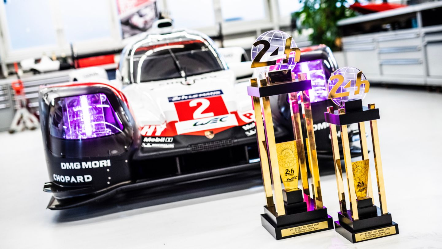 Hat trick after chase to catch up: the Porsche success story in Le Mans in 2017 - Image 5