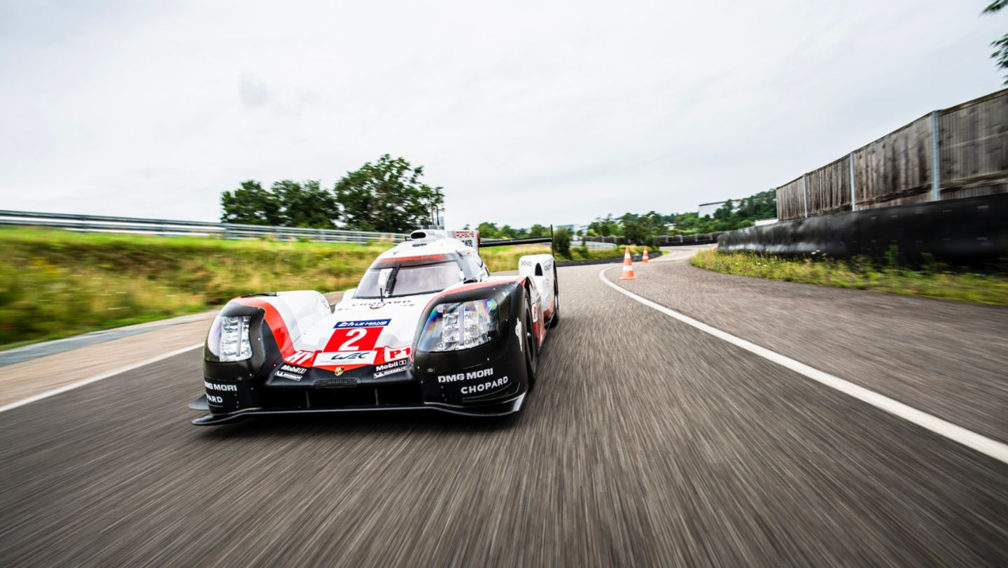 Hat trick after chase to catch up: the Porsche success story in Le Mans in 2017 - Image 1