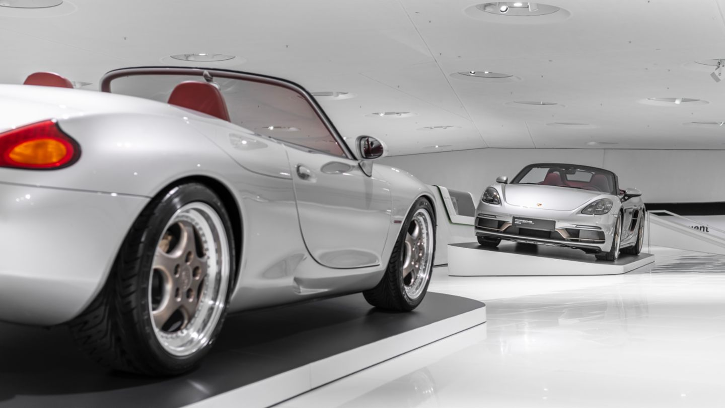 """986 Boxster, Boxster 25 years, Special exhibition """"25 Years of the Boxster"""", Porsche Museum, 2021, Porsche AG"""