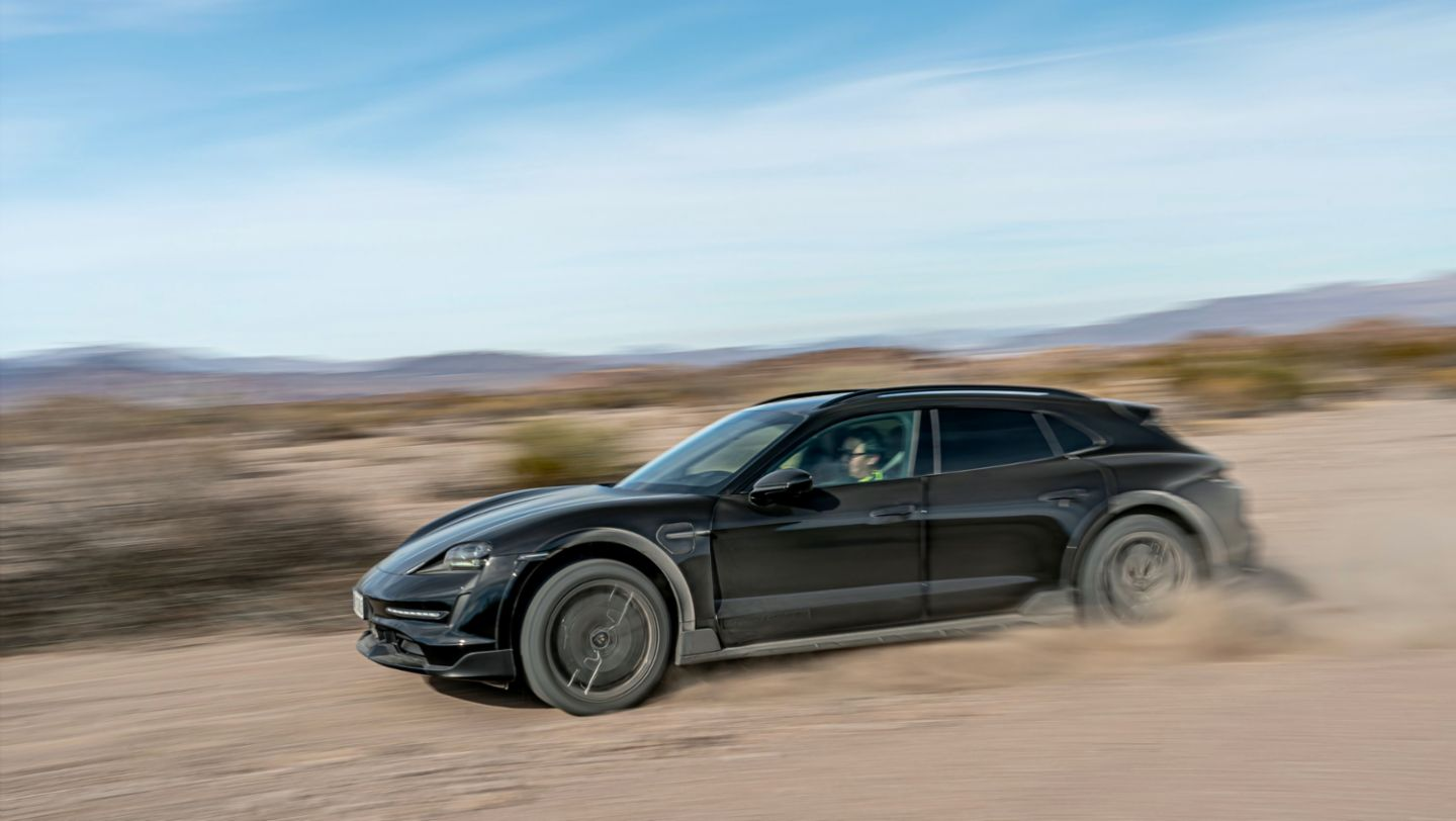 Taycan Turbo S Cross Turismo, Testing in the USA, 2021, Porsche AG