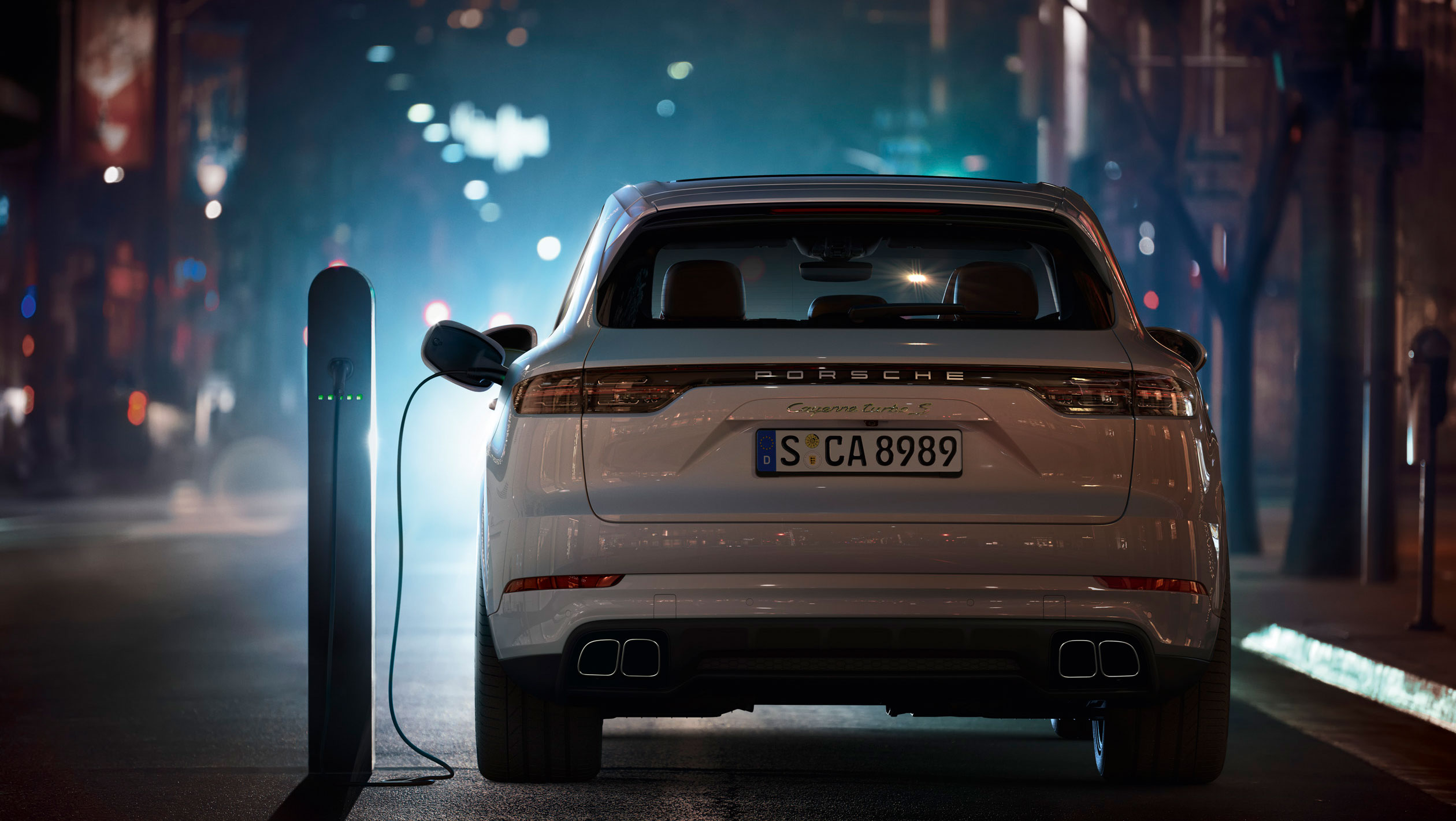 The most powerful Porsche Cayenne is a plug-in hybrid