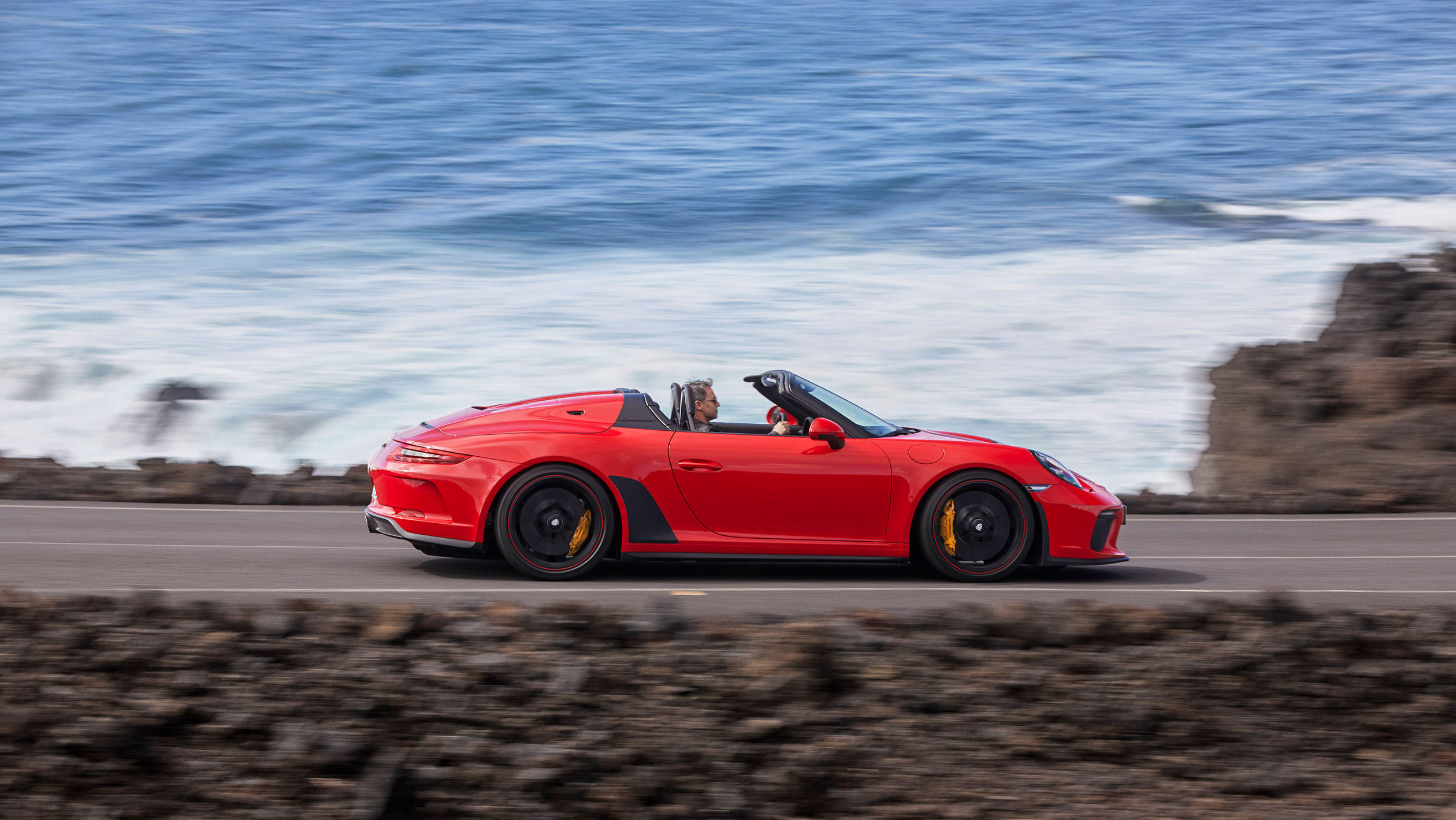 Pure Porsche: open-top two-seater for unfiltered driving experiences