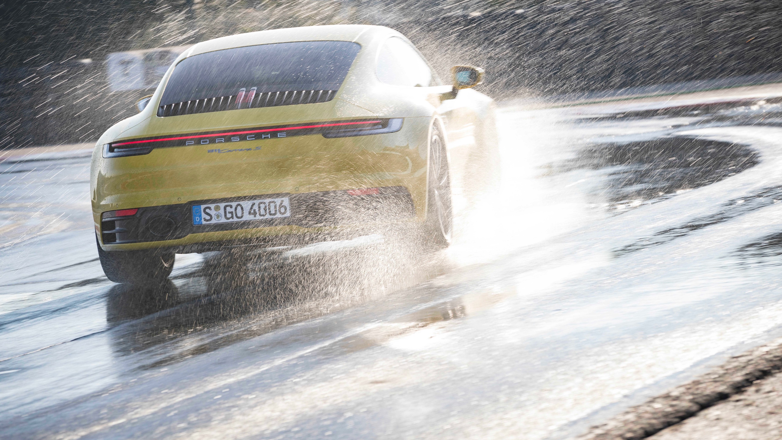 Even greater safety in the new 911: Porsche Wet Mode