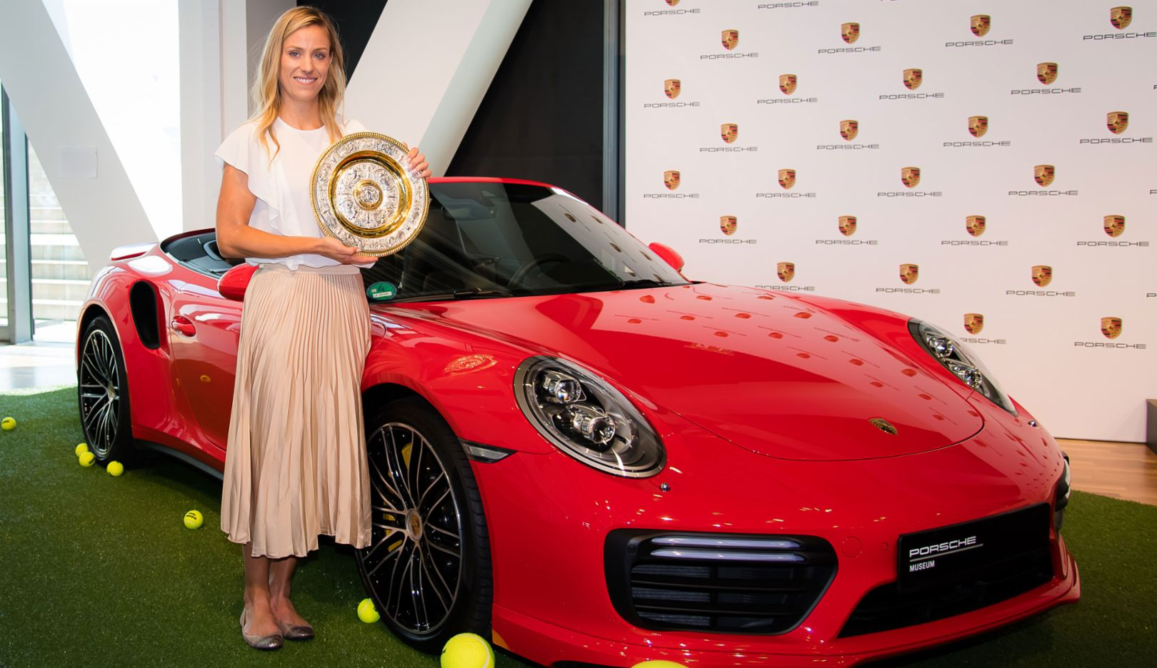 Angelique Kerber, Porsche Brand Ambassador, 911 Turbo Cabriolet, Porsche Museum, 2018, Porsche AG