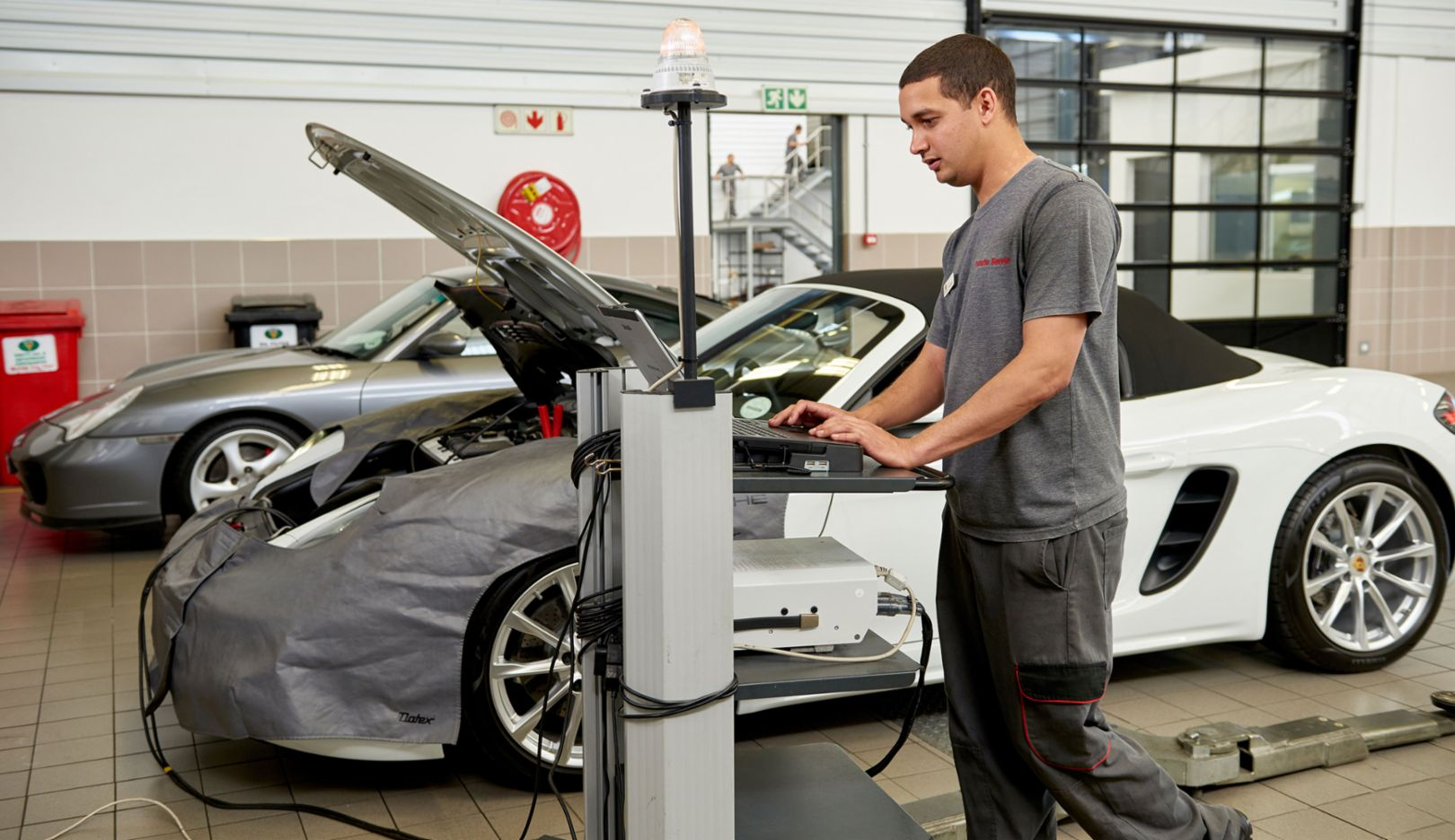 Service mechatronic, Porsche Training and Recruitment Center South Africa, 2016, Porsche AG
