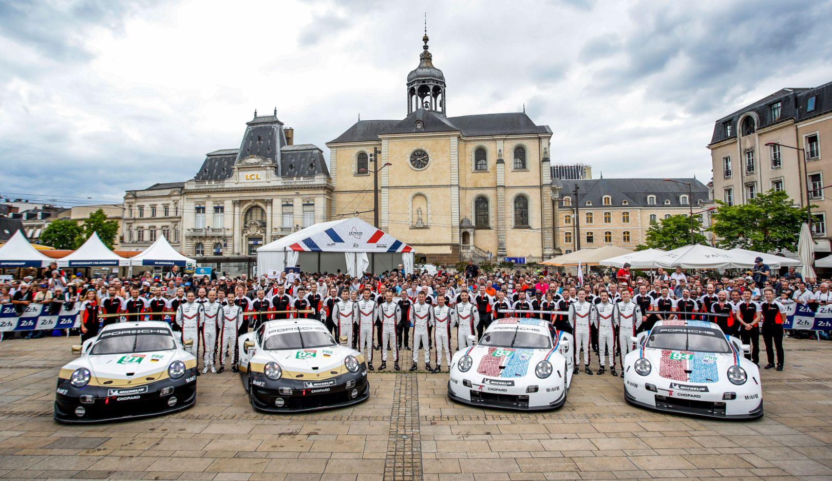 911 RSR, scrutineering, FIA WEC, Le Mans, 2019, Porsche AG