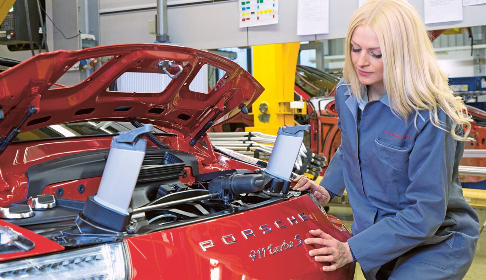 Jana Igel, Produktion Zuffenhausen, 2015, Porsche AG