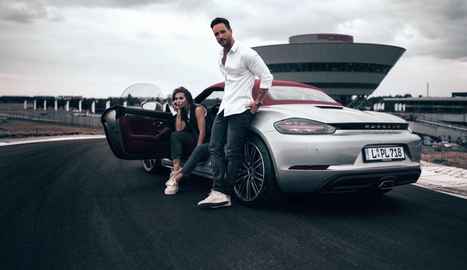 Masha Sedgwick, fashion blogger, Daniel Fuchs aka Magic Fox, influencer, l-r, 718 Boxster, Leipzig, 2018, Porsche AG