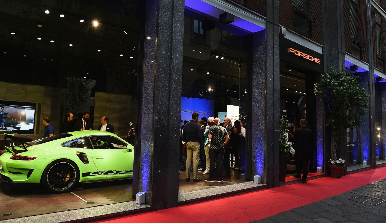 911 GT3 RS, Porsche Studio, Mailand, 2018, Porsche AG